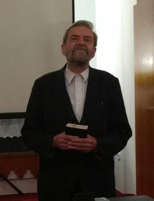 Lakatos J. Péter a zsoltárok könyvéből: az első zsoltárt mondta el - small